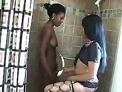 Alluring lesbo ebony like it hard